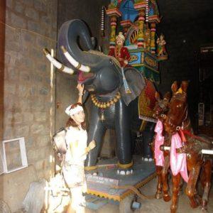 rzeźby do corocznej procesji