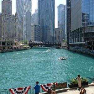 Chicago River - ten kolor wody jest niezrównany,
