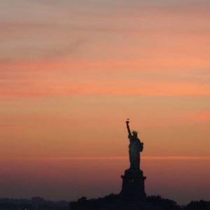 tylko po to żeby zobaczyć Statuę Wolności,