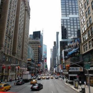 ulicami, które znamy z filmów.